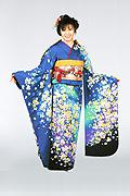 1410 青系 ブルーラメ入り総花柄 tt-b振袖美術館 サムネイル