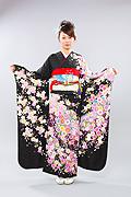 1420 黒系 ラメ入り桜、菊総花柄 tt-b振袖美術館 サムネイル