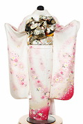 1795 白系 ラメ入り牡丹、桜、リボン柄 tt-b柄 背面写真