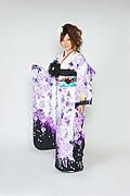1520 白系 裾黒、蝶と紫の牡丹柄 tt-bn125 サムネイル