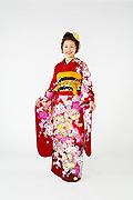 1525 赤系 ラメ入り花丸、桜柄 tt-b振袖美術館 サムネイル