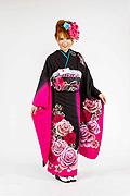 1700 黒系 裾ピンク、大小の花柄 tt-bn124 サムネイル