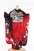 1739 黒系 赤染分け、赤白の薔薇と蝶柄 tt-bsaアゲハ背面写真