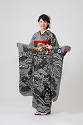 1854 黒系 鹿ノ子絞り古典柄、松・菊・橘 サムネイル