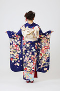 1879 紺系 流水桜 、古典柄背面写真