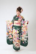 1970 緑系 熨斗目に七宝と笹 古典柄 サムネイル